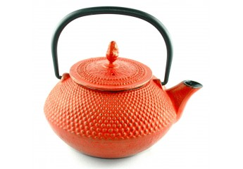 Red cast iron teapot 0.4L